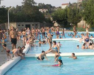 El agua de playas y piscinas aumenta un 20% las infecciones oculares