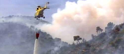 El fuego de Costa d'en Blanes, controlado tras quemar 32 hectáreas