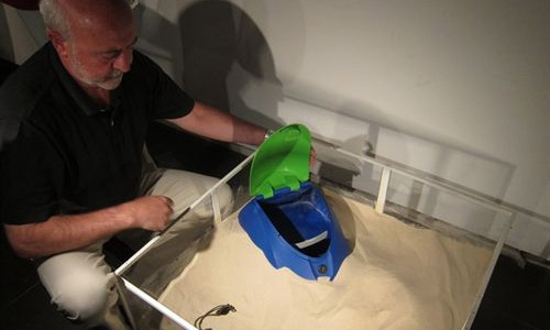 Crean la mochila antirrobo para playas