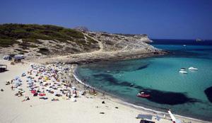 Emergencias pide prudencia a los bañistas de las 40 playas con riesgo alto