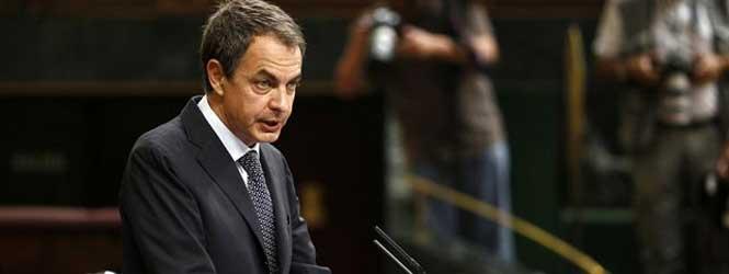Zapatero propone fijar en la Constitución un límite de déficit