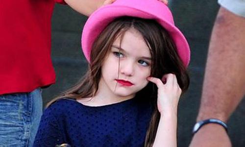 La hija de Tom Cruise vuelve a sorprender al aparecer maquillada
