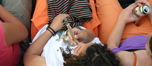 Sanidad inicia una campaña contra el consumo de alcohol entre menores