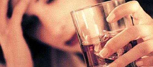 El consumo de alcohol entre las adolescentes aumenta el riesgo de c�ncer de mama