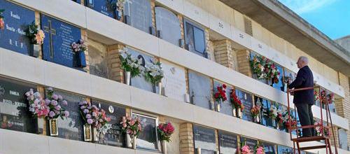 Casi 60.000 personas visitan los cementerios de Palma