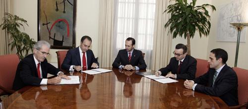 El Govern firma un crédito con el Banco Santander por 100 millones de euros