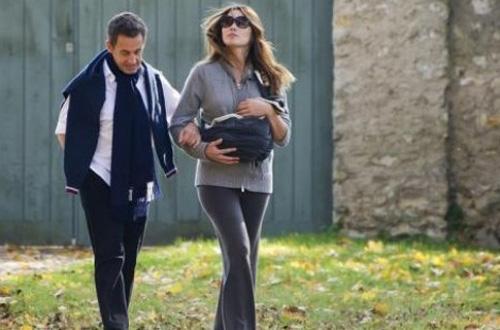 Los Sarkozy, felices con su nueva hija
