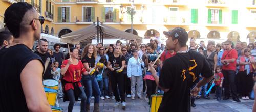 La Plaza Mayor de Palma vibra al ritmo de Mayumana