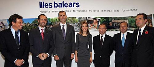 Los Príncipes de Asturias visitan el stand de Baleares en Londres