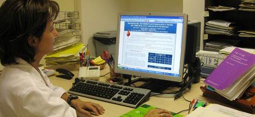 UGT cree que los recortes en sanidad generan alarma social y ahorran poco