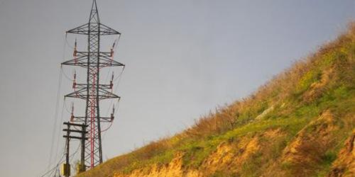 El sector eléctrico aconseja subir el recibo de la luz hasta un 12%