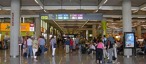 109.000 personas pasarán por los aeropuertos de Baleares hasta el lunes