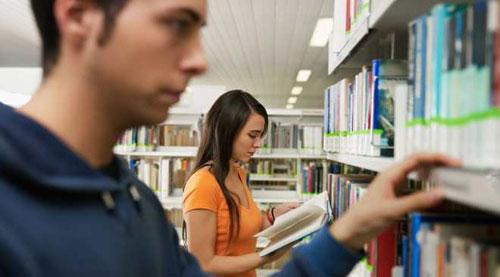 Las bibliotecas de Baleares, las menos visitadas del país