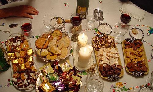 Recomiendan alternar comidas copiosas y ligeras durante fiestas