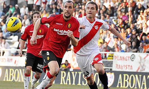 El Mallorca suma 3 puntos vitales frente a un impreciso Rayo