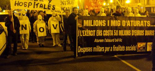 Centenares de personas se manifiestan por la sanidad en Palma