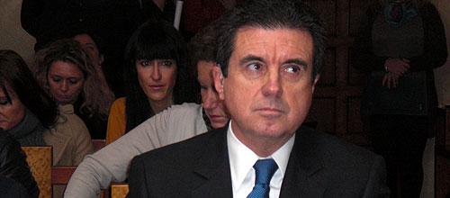 Matas se queja de que Gonz�lez Pons no est� imputado en el 'caso N�os'