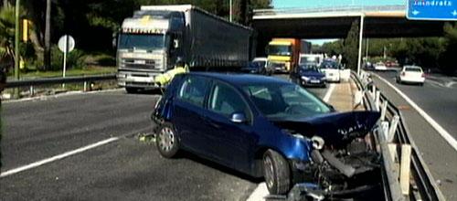 Un camión pierde los frenos en Palma y provoca una colisión múltiple