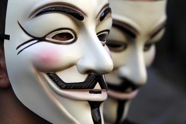 Anonymous pretende
