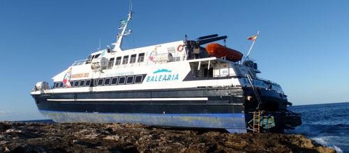 Capitanía Marítima exige que se reflote el ferry antes del 24 de febrero