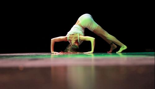 Catalina Carrasco presenta 'Realidad invisible' en el Teatro de Alaró