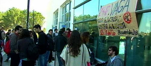 50 estudiantes 'okupan' la UIB para preparar la huelga contra los recortes