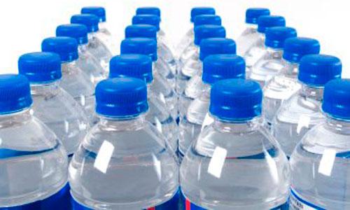 El agua envasada, producto alimenticio estrella en Baleares
