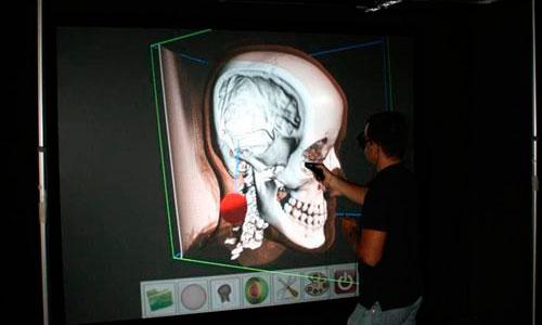 Crean una pared virtual para manipular objetos en 3D