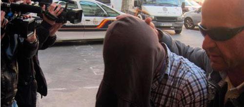Prisión sin fianza para el agente que conducía por huir tras el atropello