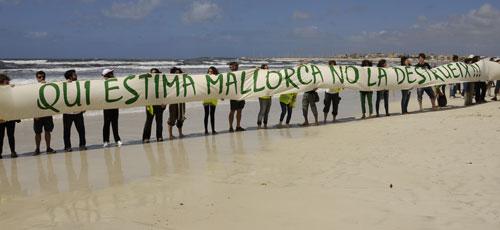 La protesta por Sa R�pita supera las expectativas de los organizadores