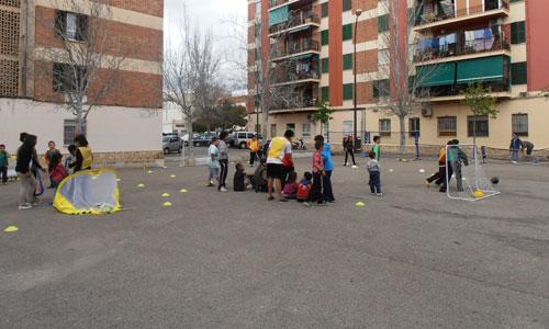 300 niños y jóvenes participan en la primera jornada de BarriDiades