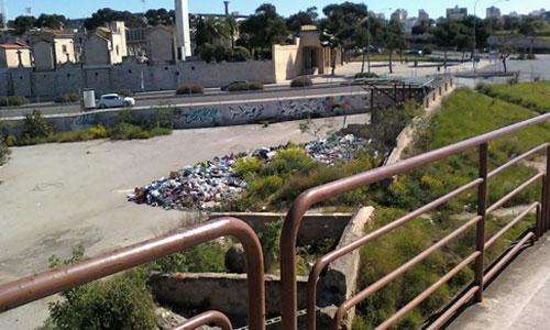 Acumulación de basura en las inmediaciones del Cementerio de Palma