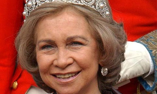Malestar por la asistencia de la Reina a los actos de homenaje a Isabel II