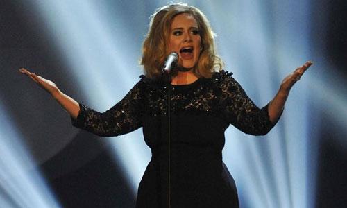 Adele desbanca en ventas a Michael Jackson