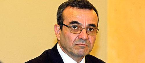 Aguiló se compromete a cumplir con el objetivo de déficit en 2012
