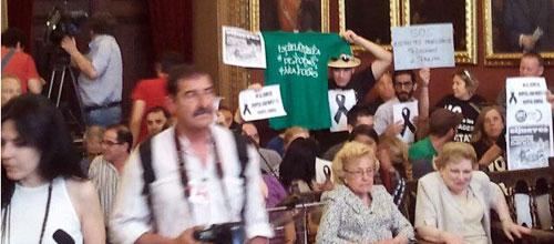 Las protestas, al Pleno