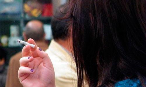 Las fumadoras que toman anticonceptivos multiplican el riesgo de trombosis