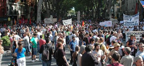 Los indignados volverán hoy a la Plaza de España