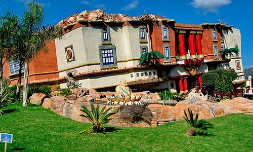 Meliá Hotels y Katmandú Park proponen un hotel temático