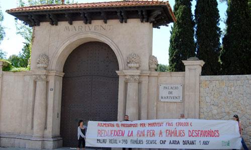 Manifestación en Marivent por la subida de su presupuesto