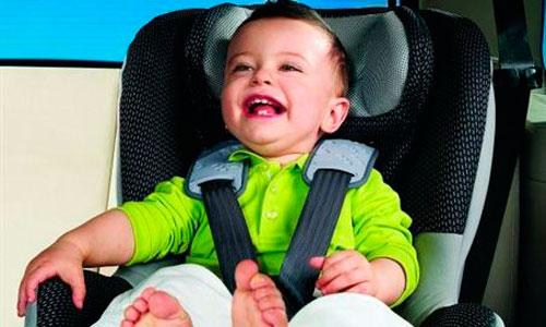 Una de cada cuatro sillas infantiles para coche no cumple
