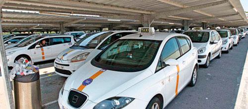 Multas de hasta 12.000 euros para hacer frente a los taxistas ilegales