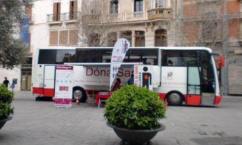 """El bus-móvil """"Dona Sangre"""", hoy en la plaza de Cort"""
