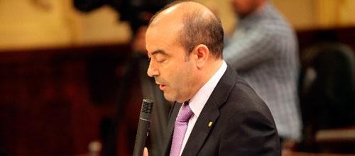 Gómez sugiere a Pastor que dimita de todos sus cargos