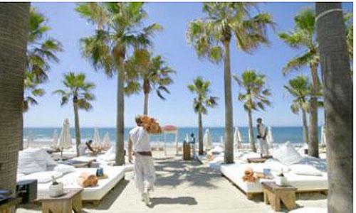 El lujo llega a las playas de Calvià