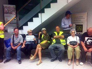 Termina sin incidentes la ocupación de la oficina de Bankia en Palma