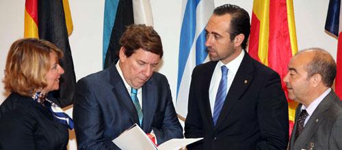 Bauzá va a Bruselas a mejorar financiación para programas