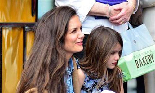 Katie Holmes teme a la Cienciología tras su divorcio de Tom Cruise