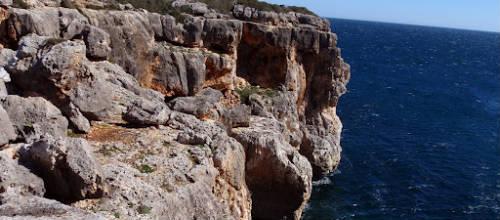 Manacor prohibe saltar desde el acantilado de Cala Varques