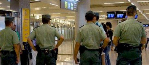Detenidos 8 guardias civiles por robar droga y objetos en el Aeropuerto de Ibiza